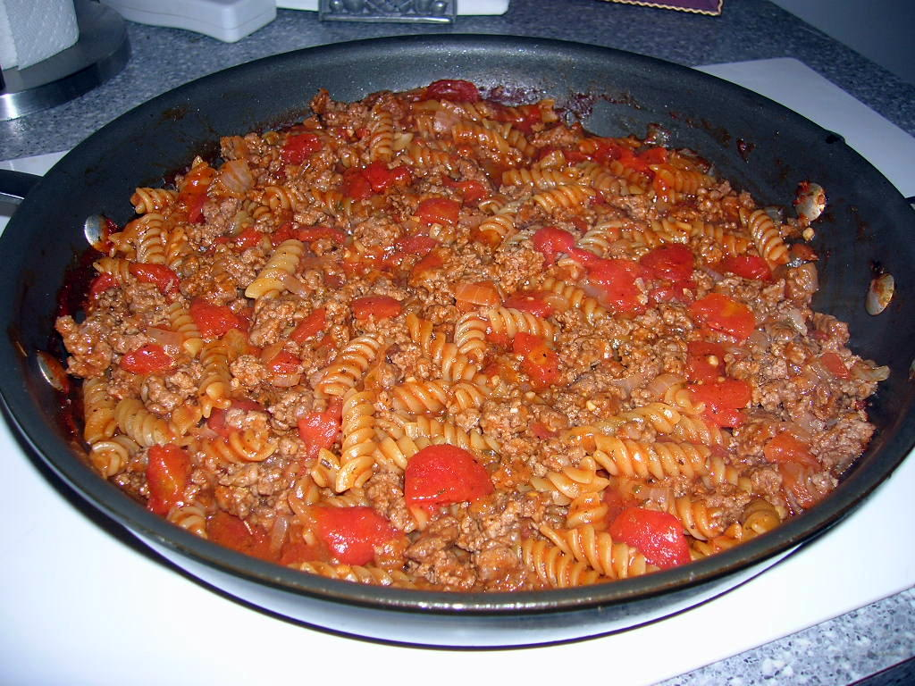 The Southern Lady Cooks – QUICK AND EASY HAMBURGER GOULASH
