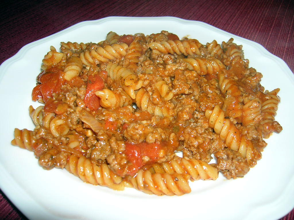 QUICK AND EASY HAMBURGER GOULASH | The Southern Lady Cooks