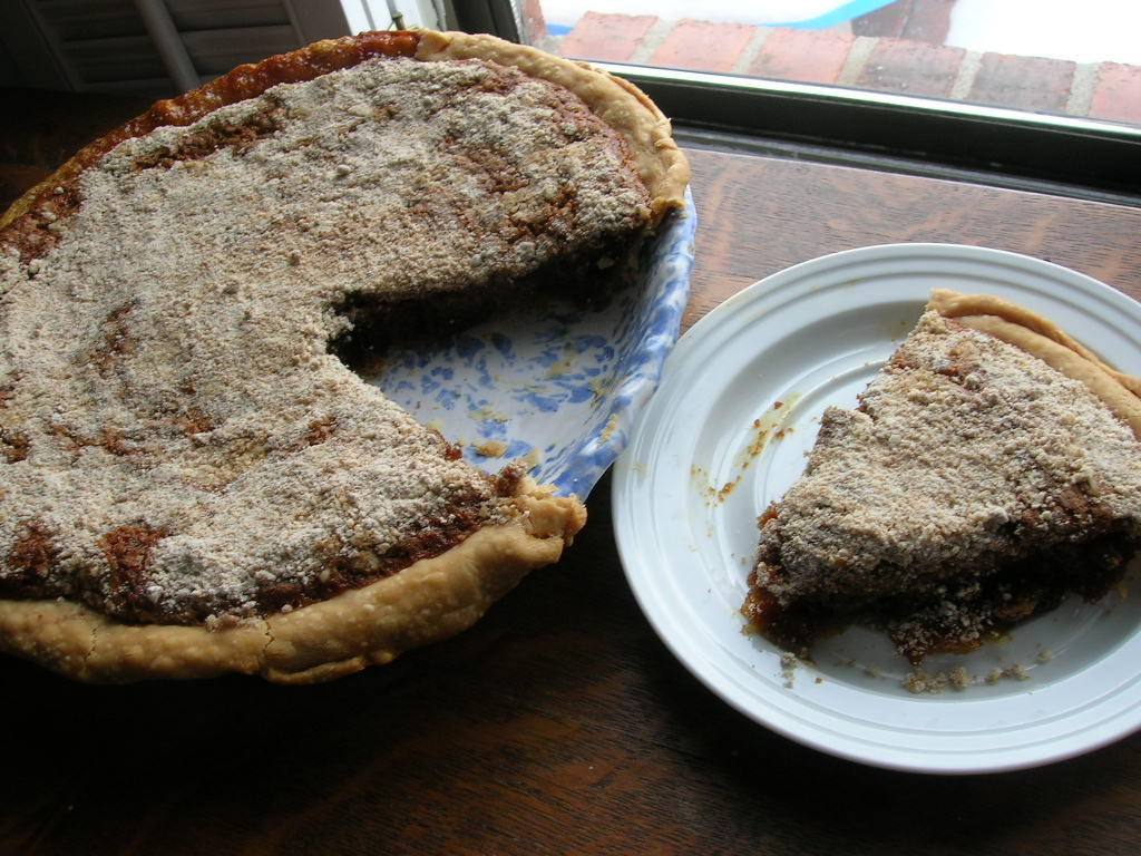 SORGHUM MOLASSES SHOOFLY PIE