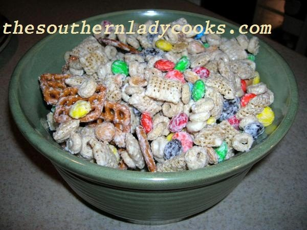 White Trash Christmas Party Mix Recipe And Printable Gift S From A Typical Mom