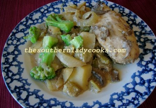 SLOW COOKER CHICKEN, POTATOES AND BROCCOLI