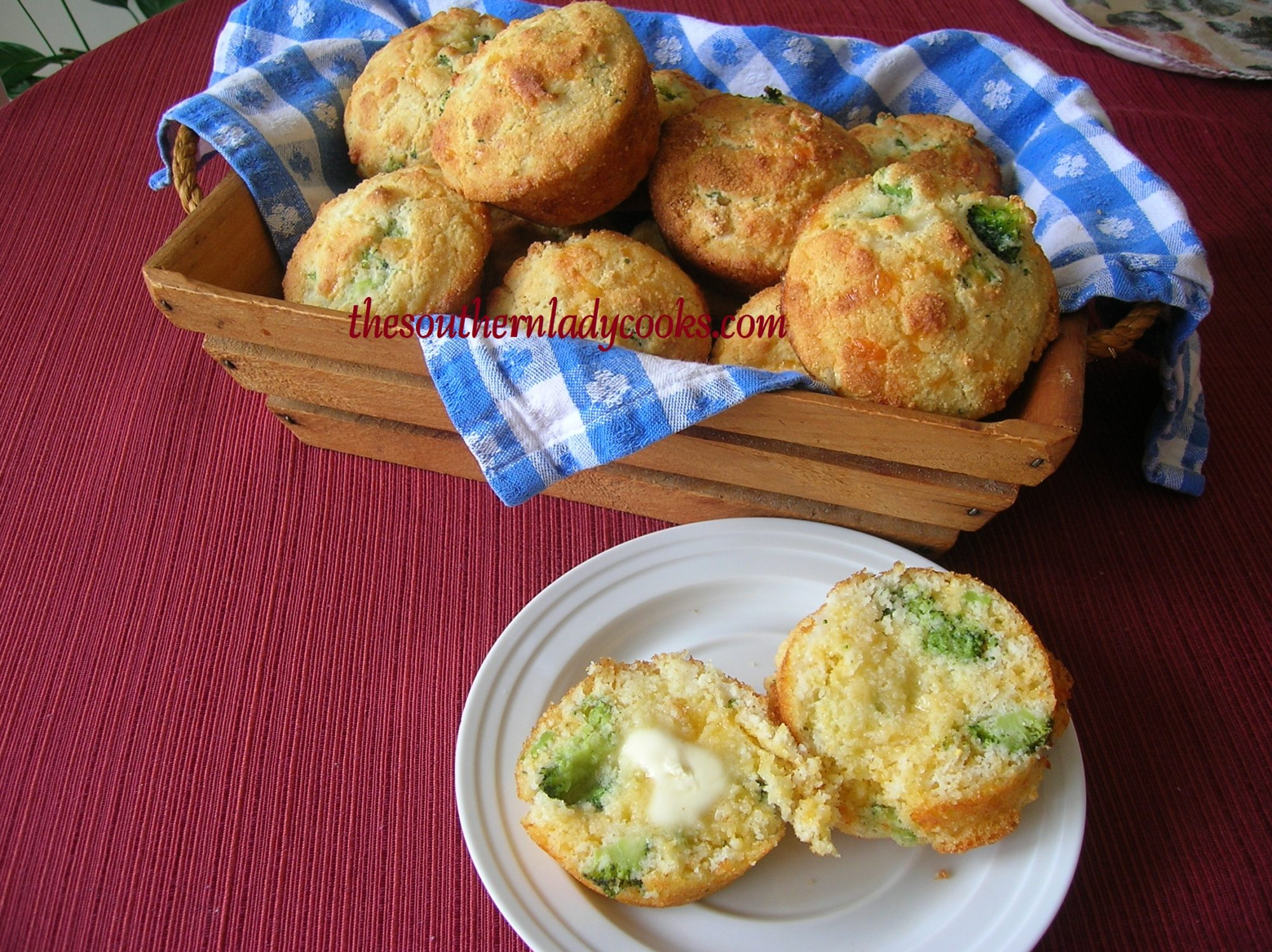 BROCCOLI CHEDDAR CORNBREAD MUFFINS - The Southern Lady Cooks