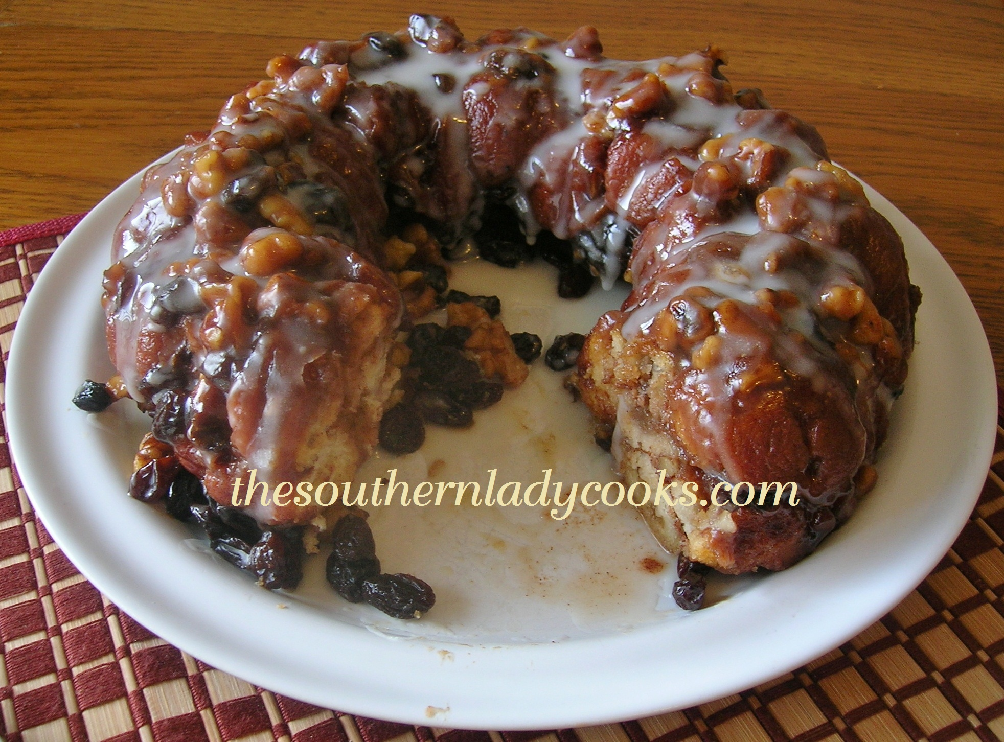 APPLE CINNAMON MONKEY BREAD | The Southern Lady Cooks