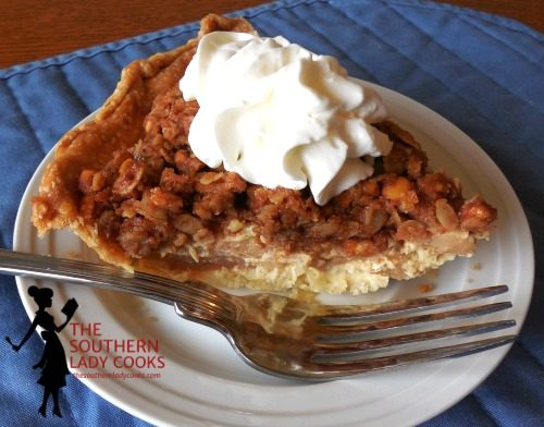 APPLE PIE WITH PEANUT BUTTER CRUMBLE