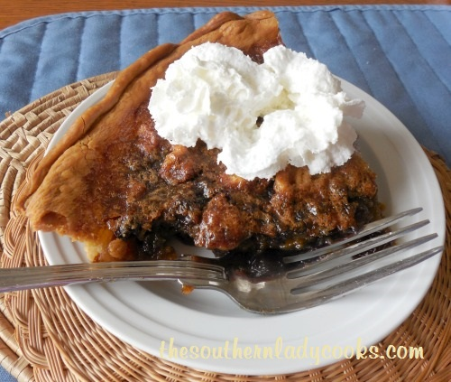 WALNUT RAISIN PIE